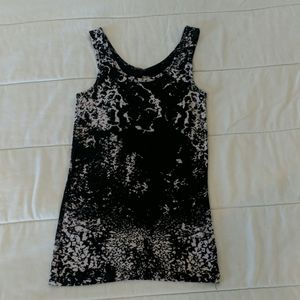 Mossimo scoop neck tank top. Like new.